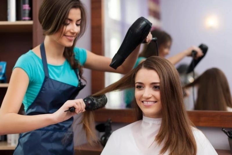 6 ситуаций в парикмахерской, когда клиент вправе уйти, не заплатив