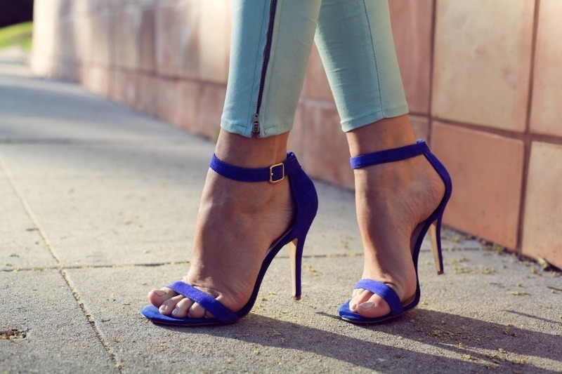 Что выдает босоножки, которые опасны для здоровья и красоты ваших ног