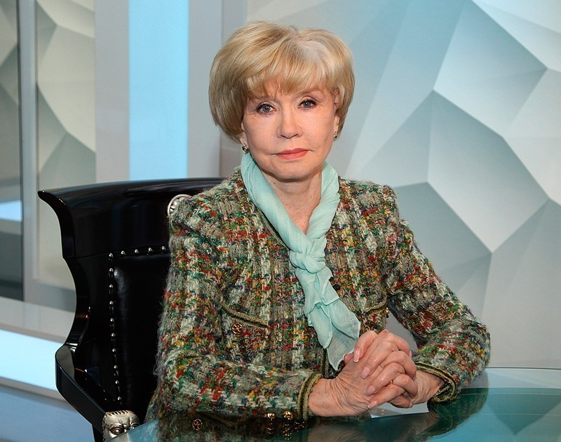 7 российских звезд, которые почти не меняют выражение лица
