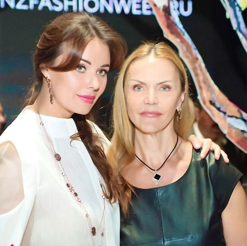 Красивые мамы российских звезд, которые выглядят не хуже своих знаменитых дочек