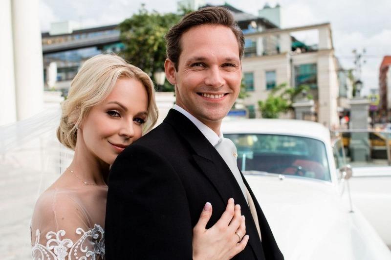 7 знаменитостей, которые удачно вышли замуж за иностранцев