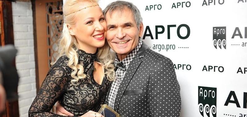 9 российских звезд, которые выбрали себе жен помоложе