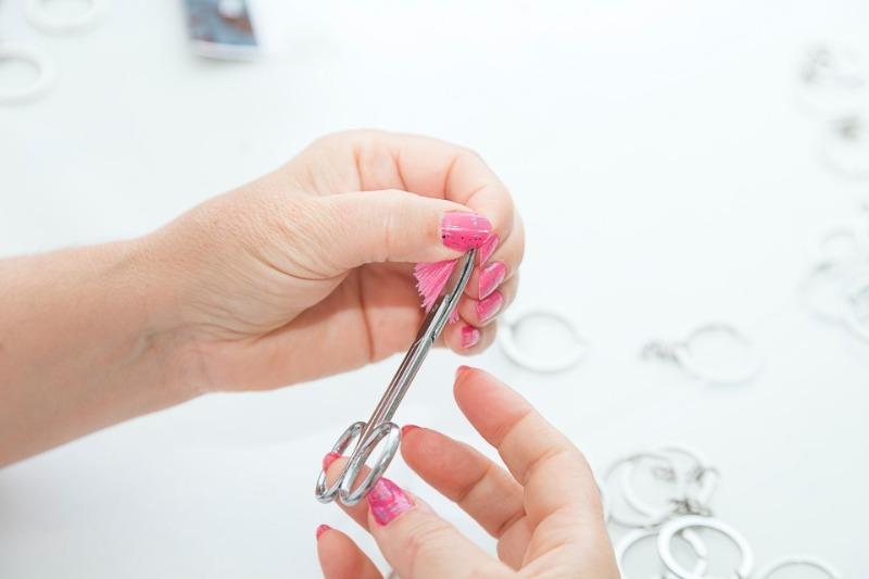Лучше мастера: 6 способов самостоятельно починить поломанный ноготь