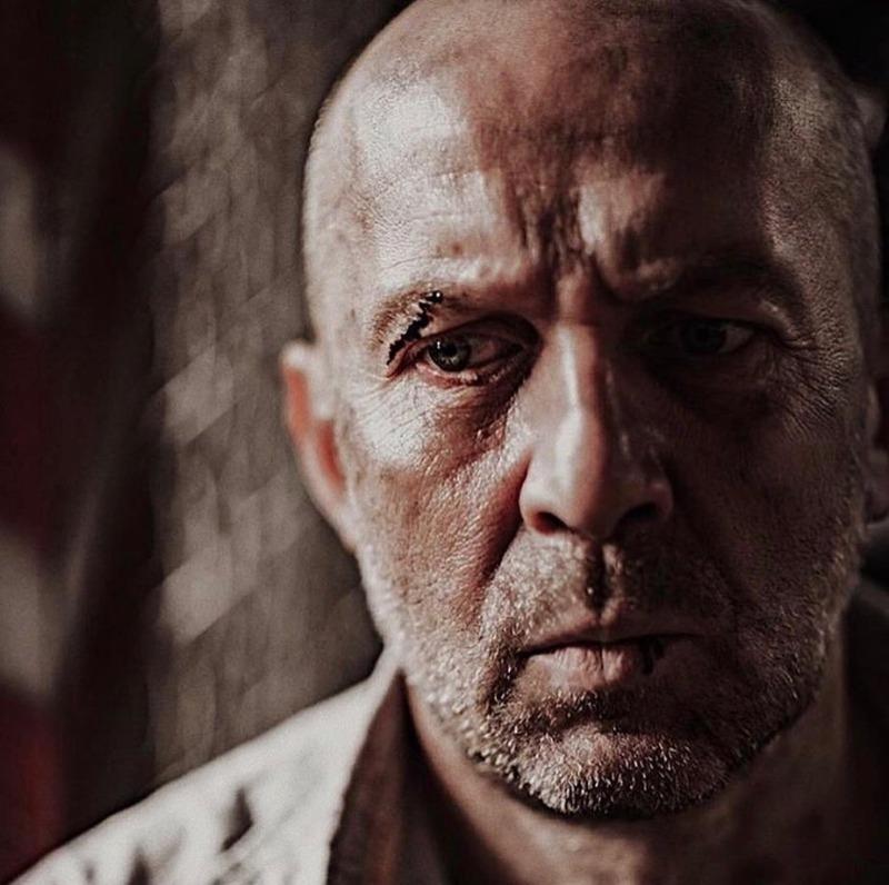 9 актеров, которые органично смотрятся в роли бандитов из-за своей внешности