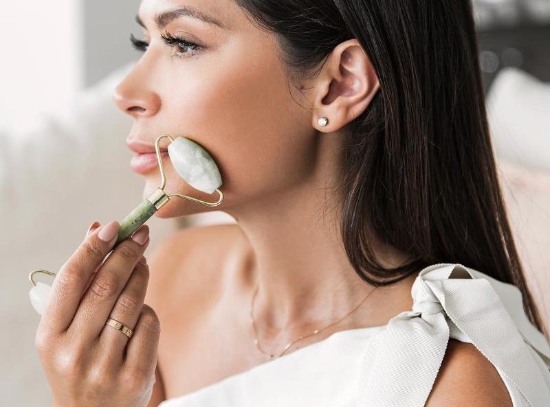 7 простых действий для избавления от морщин на лбу и переносице