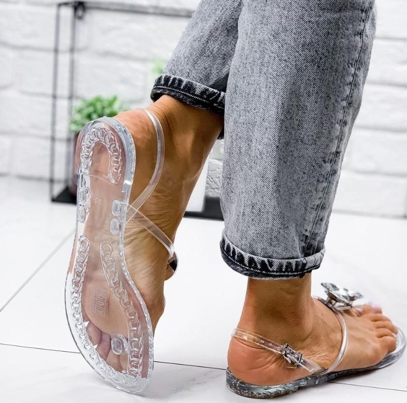 7 способов выглядеть выше даже в обуви на плоской подошве
