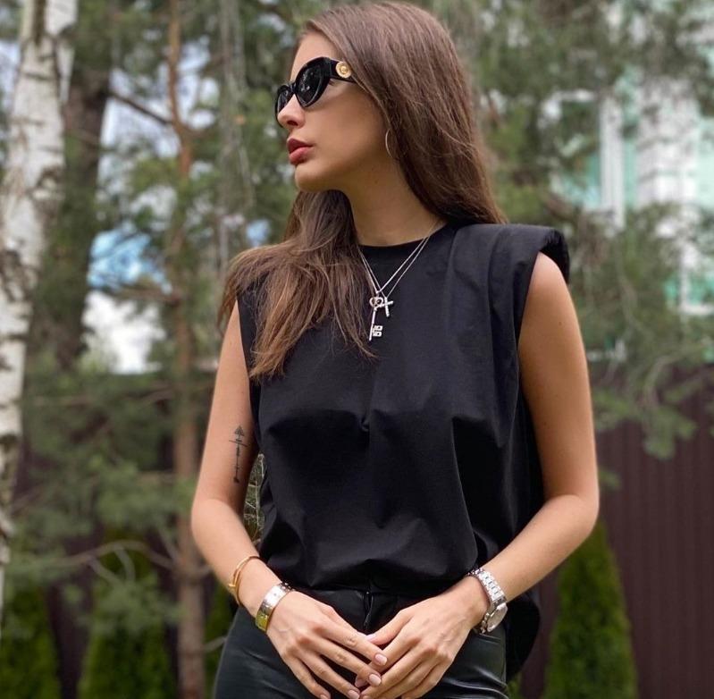 7 российских звезд, которые обходятся без услуг стилистов