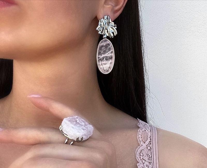 8 элегантных пар сережек, которые еще долго не выйдут из моды