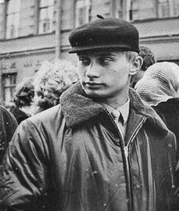 Как выглядели Путин, Жириновский и другие известные политики в молодости