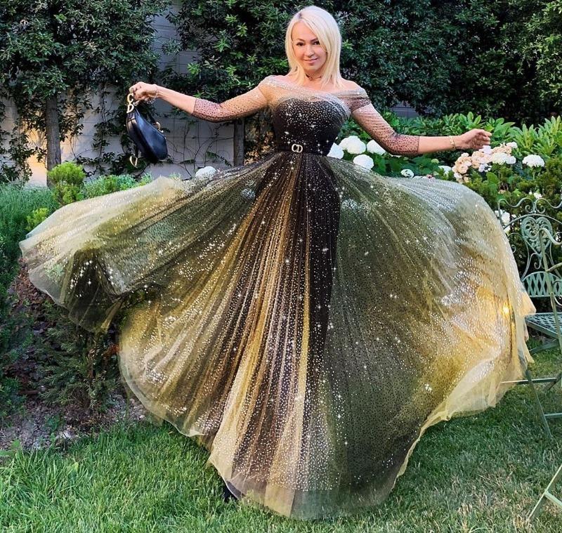 Знаменитости, которые любят одеваться, как диснеевские принцессы