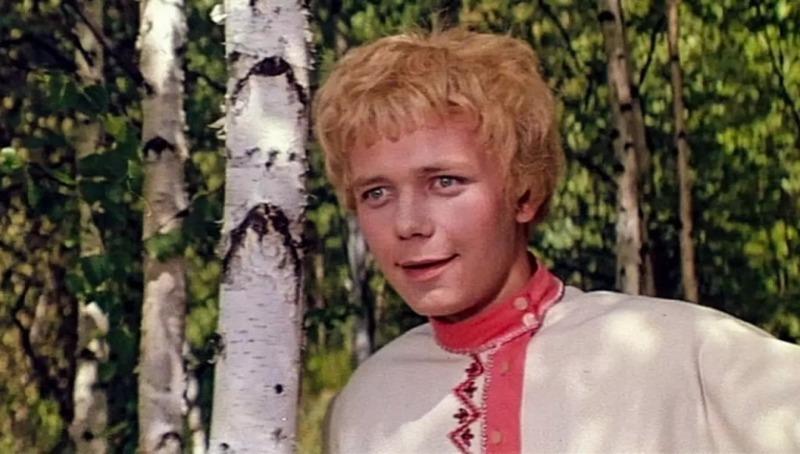 7 ярких «принцев» советского кинематографа, в которых были влюблены почти все девчонки