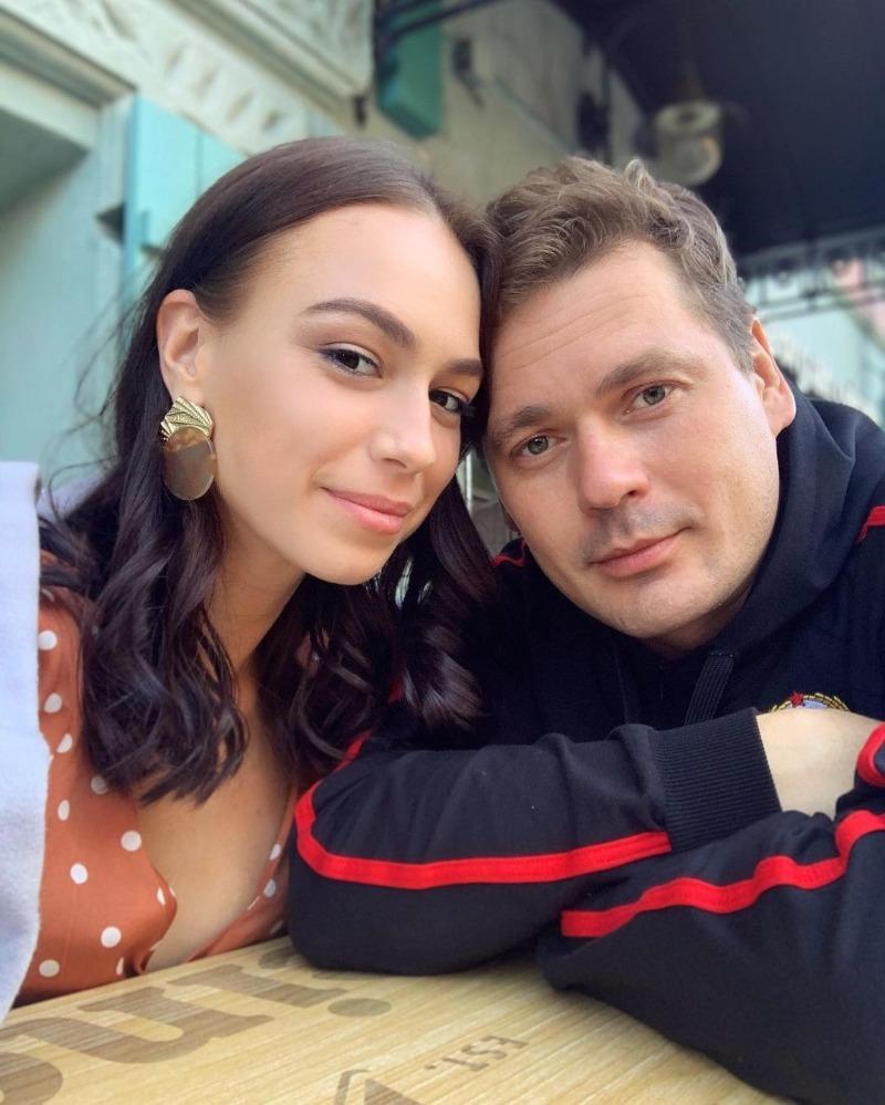 Все жены и дети красавца Александра Пашкова: почему его считают образцовым папой